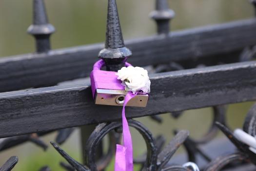 lock-1077800_1920