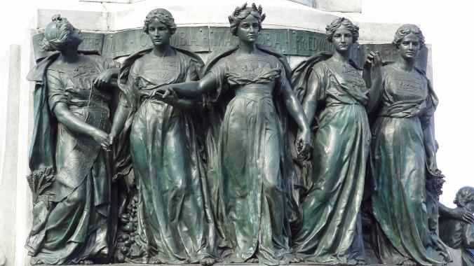 queens-1632501_1920